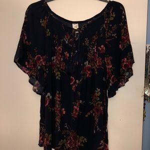 Terra & Sky Navy floral top with flutter sleeves